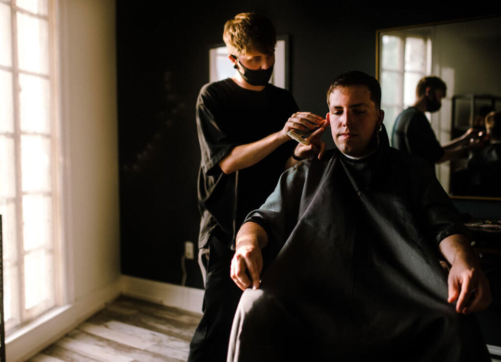 Picture of Jordan Fulls cutting hair